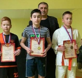 16 января состоялись соревнования в г. Кирове «Кировский новичок» по киокушинкай каратэ.